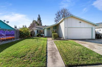Sacramento Single Family Home For Sale: 9572 Mirandy Drive