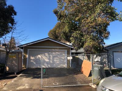 Sacramento Single Family Home For Sale: 6608 Wesley Avenue