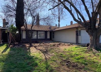 Sacramento Single Family Home For Sale: 7804 Camrose