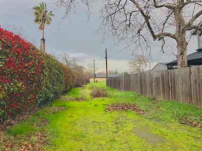 Sacramento Residential Lots & Land For Sale: 2756 Oakmont Street