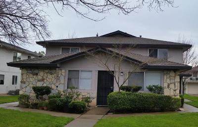 Elk Grove Condo For Sale: 9532 Emerald Park Drive