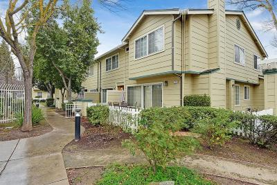 Stanislaus County, San Joaquin County Condo For Sale: 2217 Sudbury Court