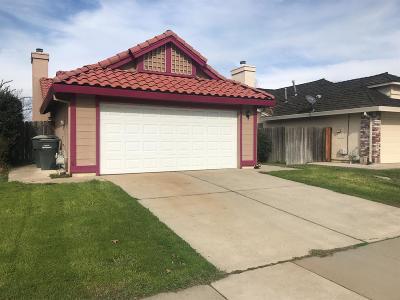 Sacramento Single Family Home For Sale: 9405 Morcott Way