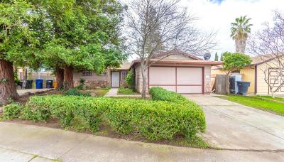 Sacramento Single Family Home For Sale: 8464 Country Greens Court