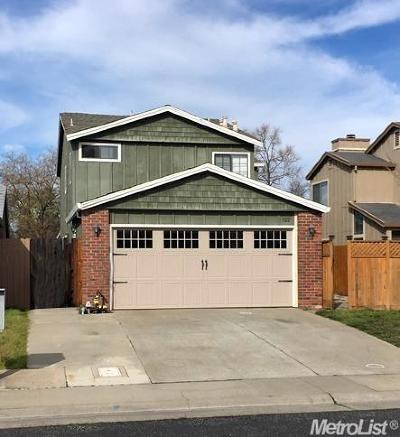 Roseville Single Family Home For Sale: 322 Hemphill Way