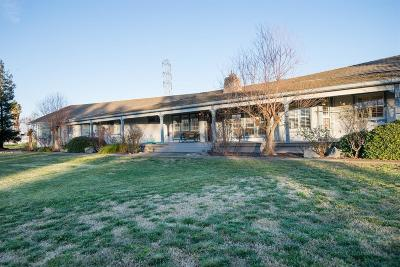 Stanislaus County, San Joaquin County Single Family Home For Sale: 17580 Hillside Drive