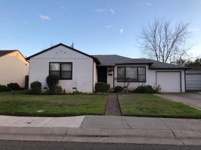 Sacramento Single Family Home For Sale: 1700 Arvilla Drive