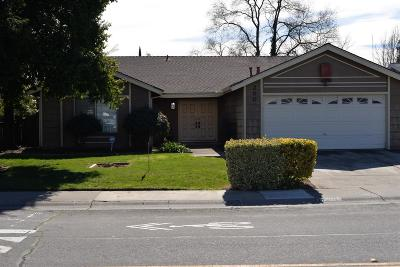 Sacramento Single Family Home For Sale: 2000 Pebblewood Drive
