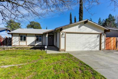 Sacramento Single Family Home For Sale: 5508 College Oak Drive