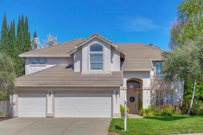 Sacramento County Single Family Home For Sale: 8511 Rolling Green Way
