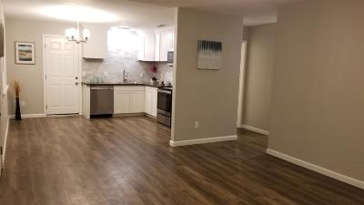 Elk Grove CA Single Family Home For Sale: $325,000