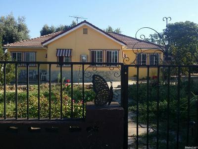 Escalon Single Family Home For Sale: 2326 Main Street