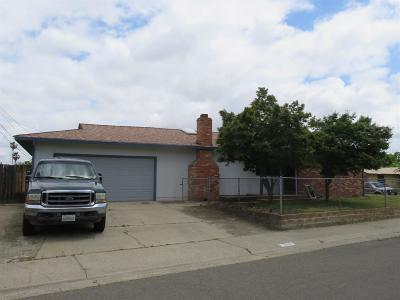 Sacramento Single Family Home For Sale: 3505 Gemini Way