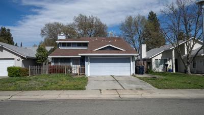 Sacramento Single Family Home For Sale: 7485 Griggs Way