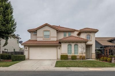 Elk Grove Single Family Home For Sale: 9037 Tillander Way