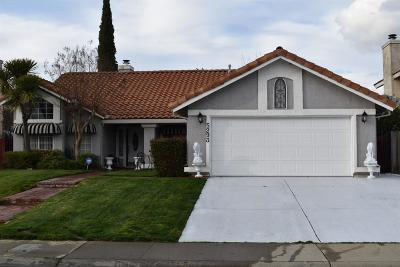 Elk Grove CA Single Family Home For Sale: $379,000