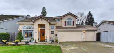 Rancho Murieta Single Family Home For Sale: 15240 Medella Circle