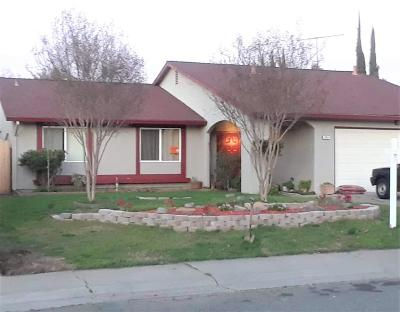 Sacramento Single Family Home For Sale: 2855 Black Hills Way