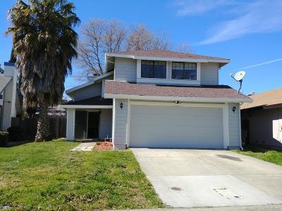 Sacramento CA Single Family Home For Sale: $334,999