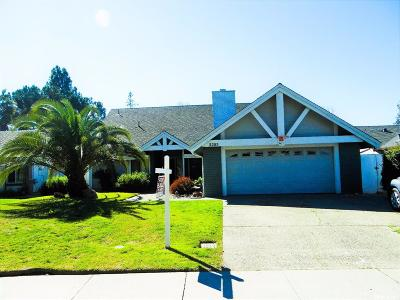 Stockton Single Family Home For Sale: 2205 Venetian