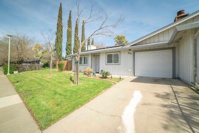 Sacramento CA Single Family Home For Sale: $240,000