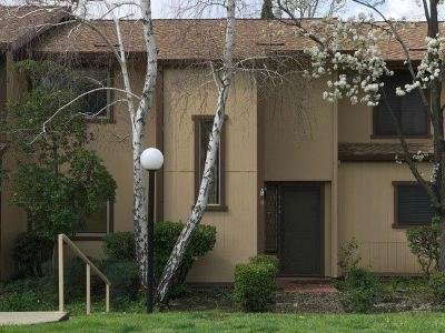 Sacramento Condo For Sale: 5105 Greenberry Drive