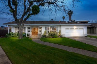 Oakdale Single Family Home For Sale: 571 Oakrdige Drive