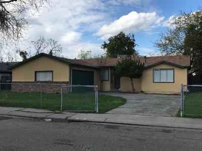 Single Family Home For Sale: 717 Junipero Serra Drive