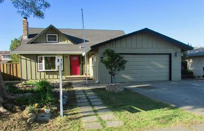 Woodland Single Family Home For Sale: 33 Del Mar