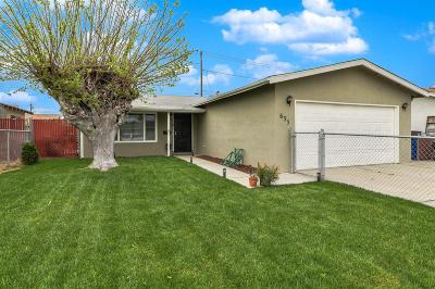 Manteca Single Family Home Contingent: 635 Helen Court
