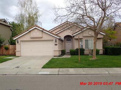Single Family Home For Sale: 10904 Pleasant Valley Court