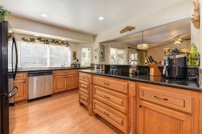 Roseville Single Family Home For Sale: 1315 Stonebridge Way