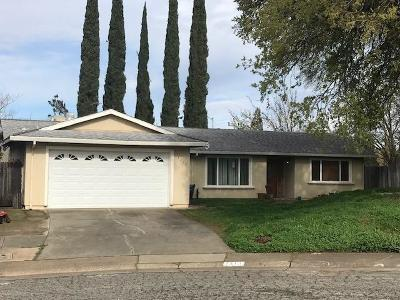 Sacramento Single Family Home For Sale: 7113 Koropp Court