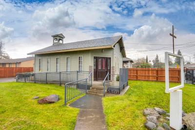 Sacramento Single Family Home For Sale: 4401 15th Avenue