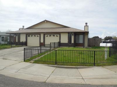 Rancho Cordova Multi Family Home For Sale: 3100 Chettenham Drive