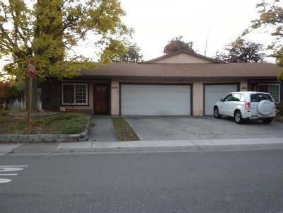 Sacramento Single Family Home For Sale: 4040 Vosburg Street #4042