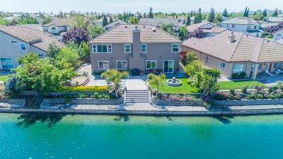 Elk Grove Single Family Home For Sale: 2625 Marina Point Lane