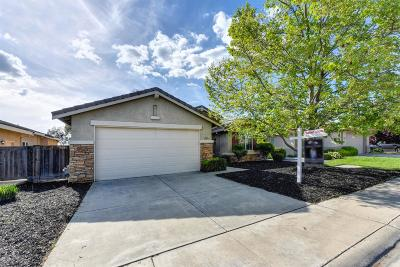 Elk Grove Single Family Home Pending Sale: 8444 Merry Hill Way