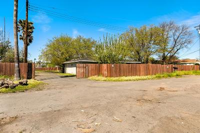 Sacramento Single Family Home For Sale: 933 Main Avenue