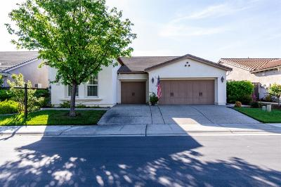 Sacramento Single Family Home For Sale: 5708 Grassington Lane