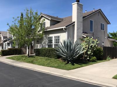 Sacramento CA Single Family Home For Sale: $375,000
