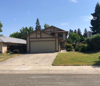 Sacramento Single Family Home For Sale: 18 Basil Court