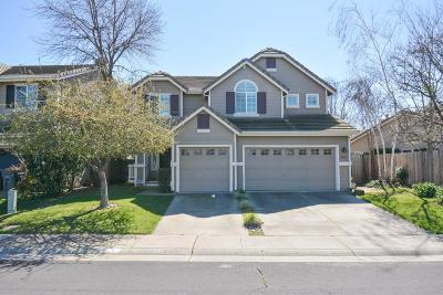 Elk Grove Single Family Home For Sale: 5618 Anchor Bay Way