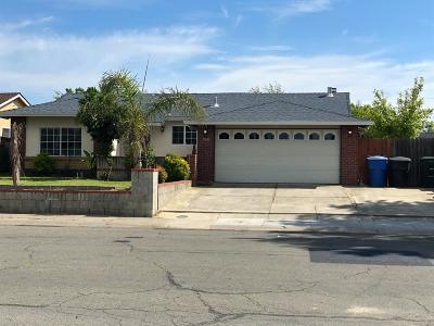 Sacramento CA Single Family Home For Sale: $329,900