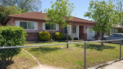 Sacramento Single Family Home For Sale: 6205 Burns Way