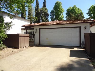 Modesto CA Single Family Home For Sale: $239,900