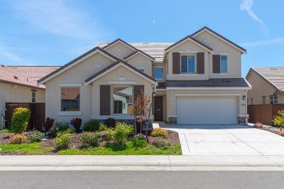 Roseville Single Family Home For Sale: 5057 Wood Way