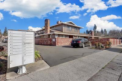 Sacramento County Single Family Home For Sale: 2313 Villanova