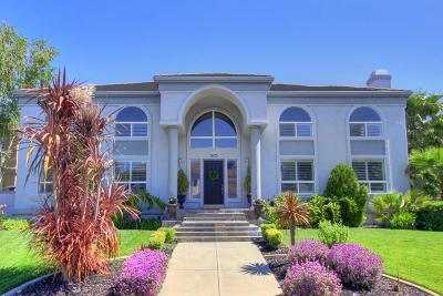 Single Family Home For Sale: 7625 Marina Cove Drive