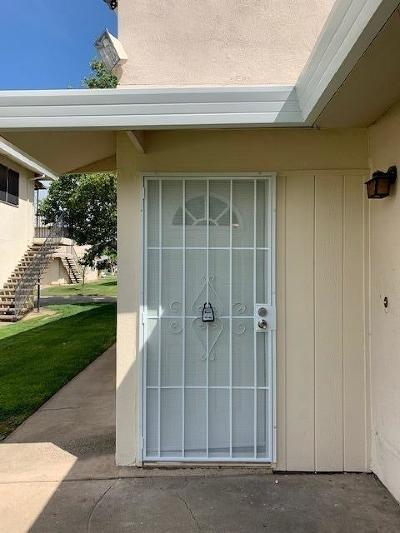 Sacramento Condo For Sale: 9017 Casals Street